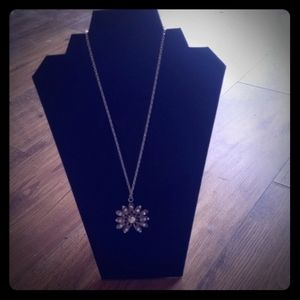 Bling flower necklace silver tone